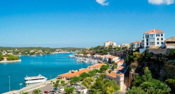 Visita Menorca y alójate en un sitio de ensueño
